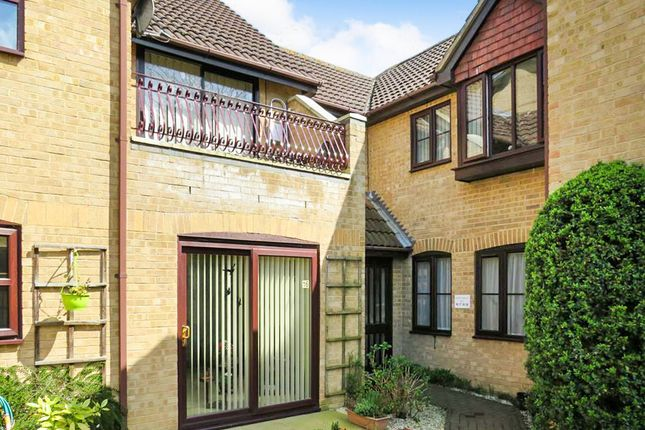 Thumbnail Flat for sale in Russell Court, Rushden