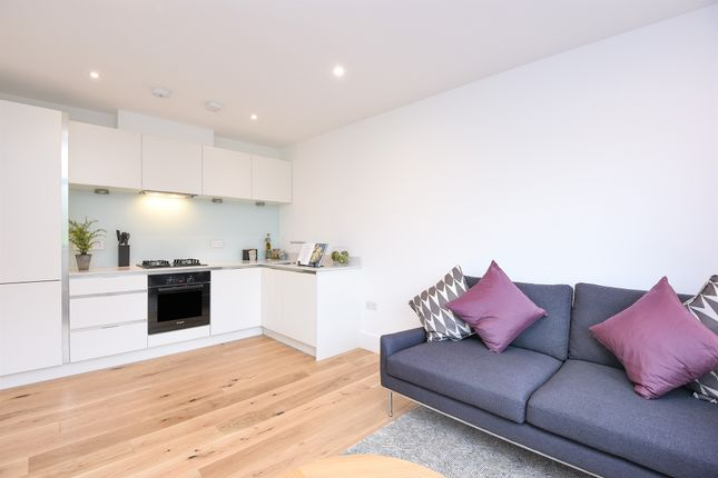 Thumbnail Flat for sale in Brunswick Park Road, Friern Barnet, London