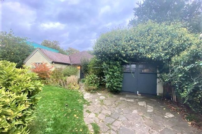 3 bed detached bungalow to rent in Church Road, East Molesey KT8