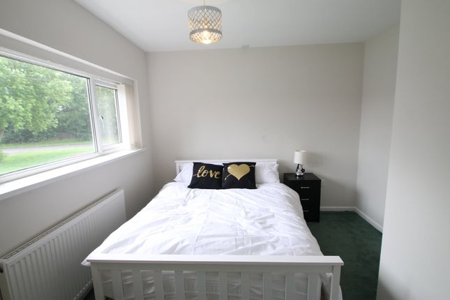 Thumbnail Room to rent in Sanders Close, Atherstone