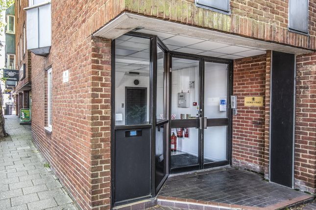 Thumbnail Office to let in King George V Place, 1st Floor, Thames Avenue, Windsor