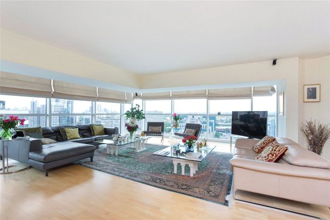 Thumbnail Flat to rent in The Panoramic, 152 Grosvenor Road, Westminster, London