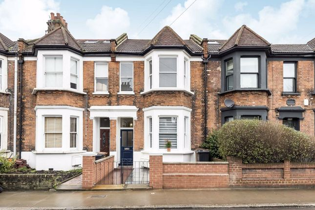 Thumbnail Property to rent in Cassland Road, London