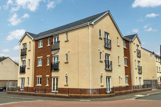 Thumbnail Flat for sale in Ffordd Cambria, Pontarddulais, Swansea