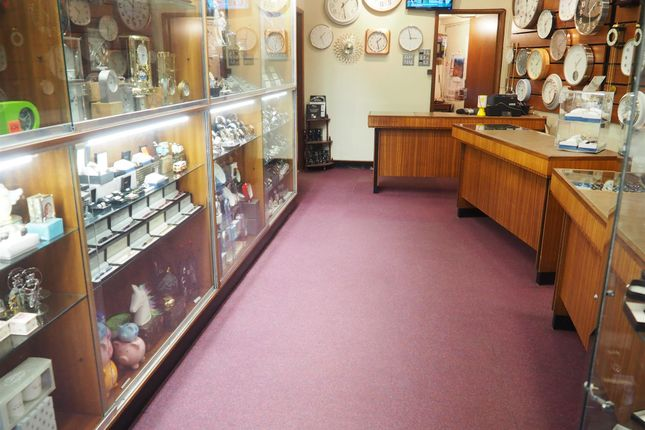 Thumbnail Retail premises for sale in Jewellers & Pawn Brokers WF17, West Yorkshire
