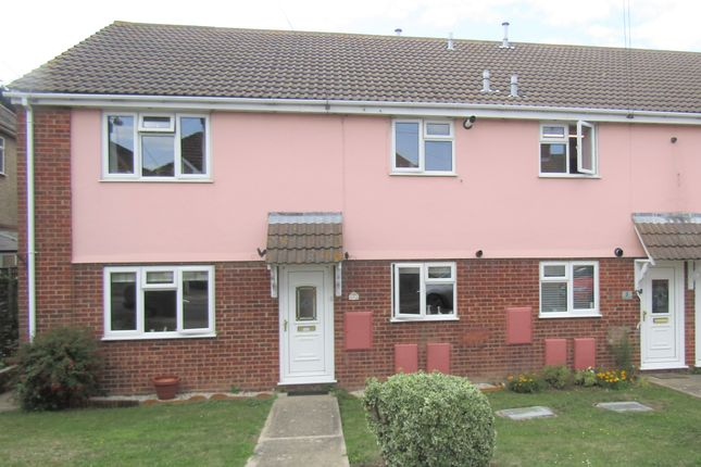2 bed maisonette to rent in Woodberry Way, Walton On The Naze, Essex CO14