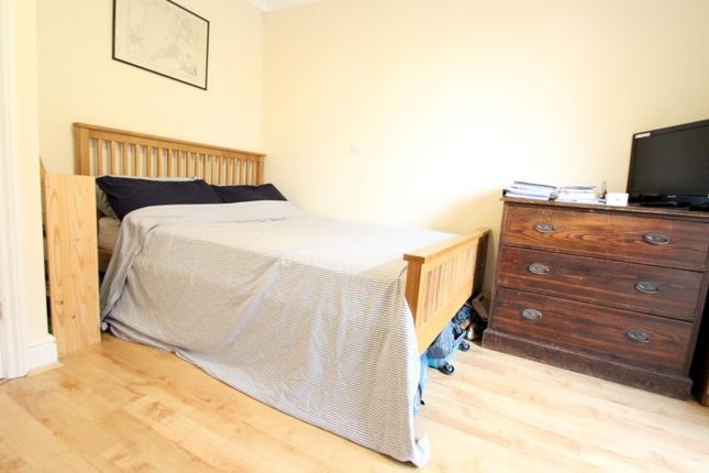 Bedroom of Old Brewery Court, Lyons Court, Dorking RH4