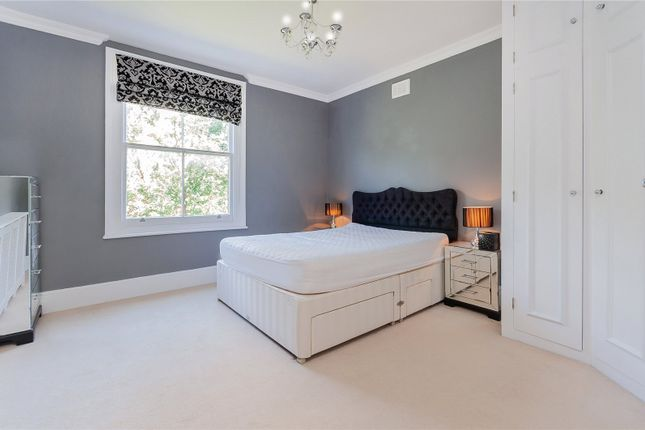 2 bed flat to rent in Randolph Avenue, Little Venice, Maida Vale, London W9