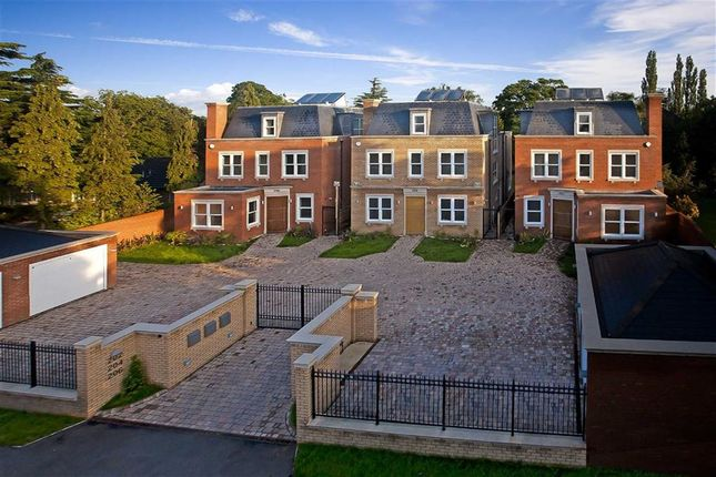 Thumbnail Detached house to rent in Barnet Road, Arkley, Hertfordshire