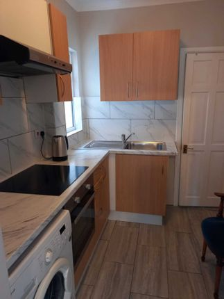 Thumbnail Studio to rent in High View Road, West Ealing