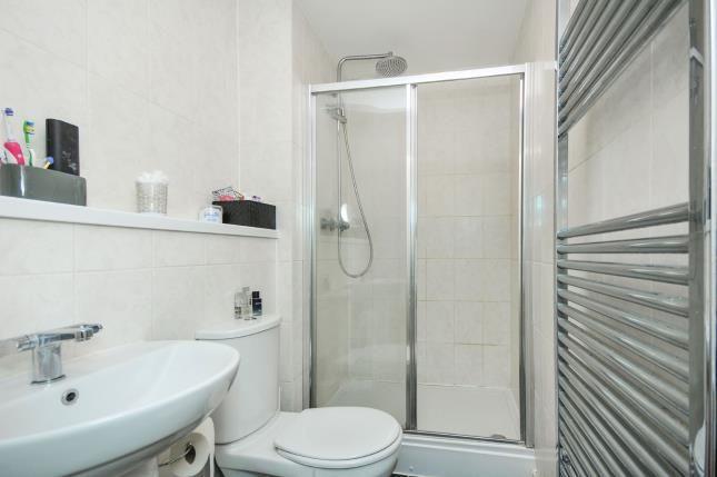 En-Suite of Evelyn Court, 4 Jefferson Place, Bromley, Kent BR2