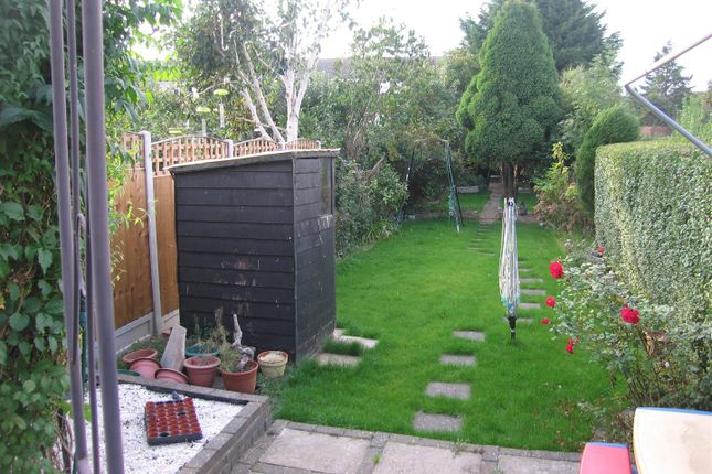 Thumbnail Terraced house to rent in Reynolds Avenue, Chadwell Heath, Romford