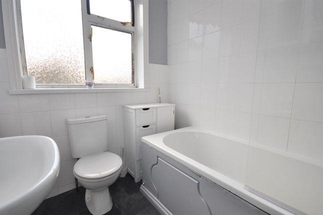 Bathroom of Lilac Avenue, Off Hull Road, York YO10