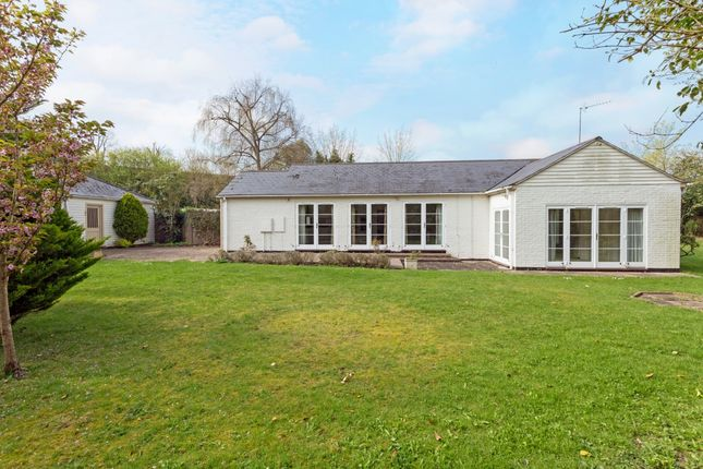 Thumbnail Bungalow to rent in Old Wallingford Way, Sutton Courtenay, Abingdon