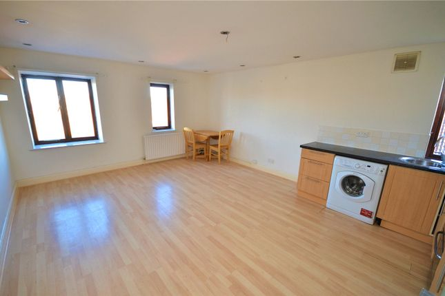 Living Room of Knowsley Road, Tilehurst, Reading, Berkshire RG31