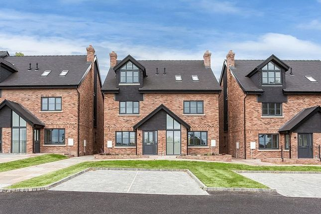 Thumbnail Semi-detached house for sale in Windsor Place, Congleton