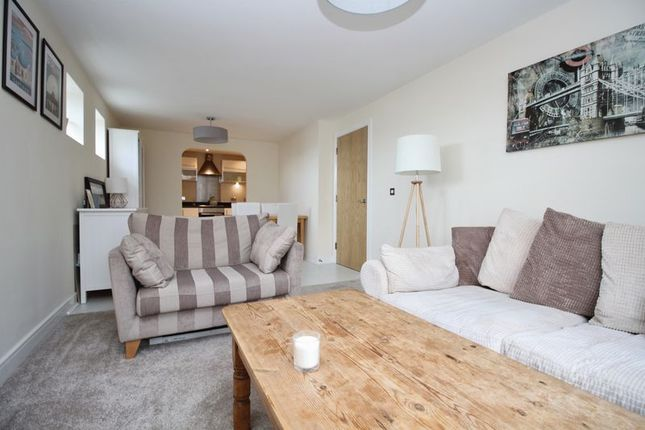 Thumbnail Flat for sale in Orchard Place, Southampton