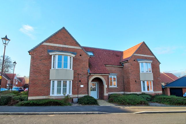 Thumbnail Flat for sale in Bramley Drive, Hartley Wintney, Hook