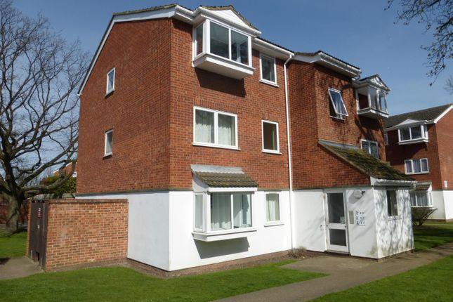 Thumbnail Flat to rent in Heathdene Drive, Upper Belvedere, Kent