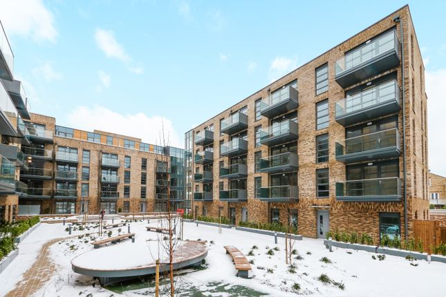 Thumbnail Flat for sale in Pages Walk, Bermondsey