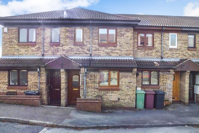 2 bedroom town house for sale in Derwent Close, Dronfield, Derbyshire