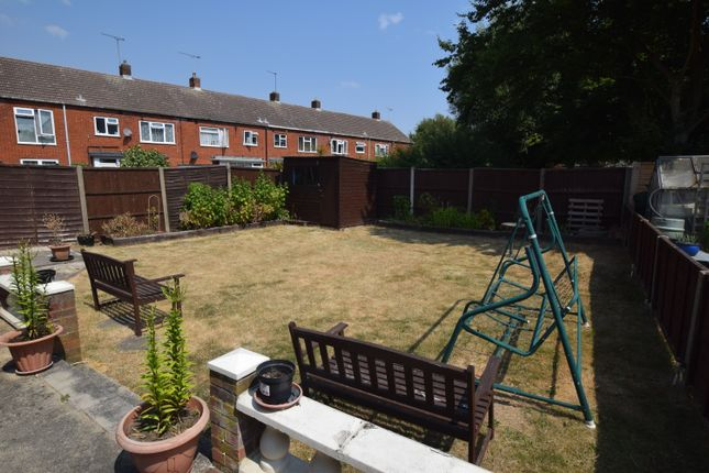 Thumbnail Terraced house to rent in Fauners, Basildon