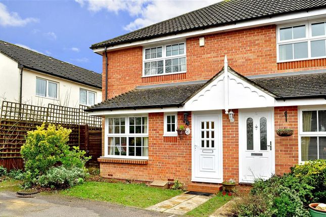 3 bed end terrace house for sale in Hill Place, Crawley, West Sussex