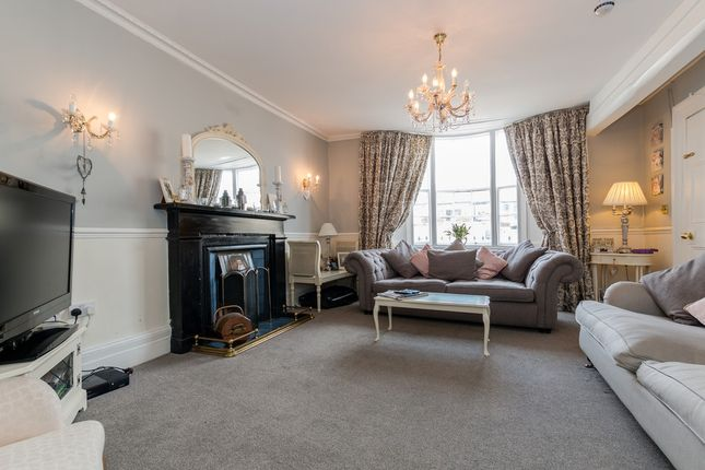 Thumbnail Town house for sale in Castle Hill, Richmond