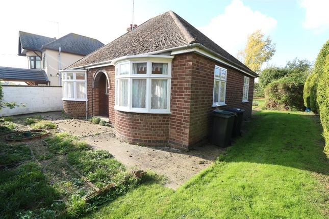 Thumbnail Detached bungalow for sale in Oxford Street, Wymington