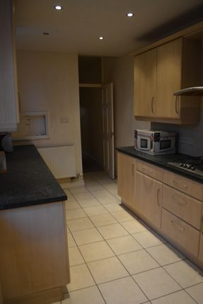 Thumbnail Shared accommodation to rent in Tennyson Street, Lincoln