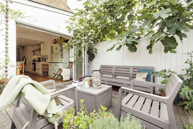 Thumbnail Terraced house to rent in Alma Grove, Bermondsey, London