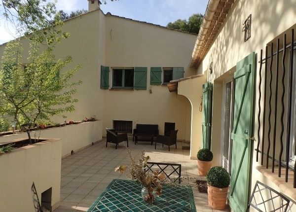 Thumbnail Farmhouse for sale in Beziers, Languedoc-Roussillon, 34500, France