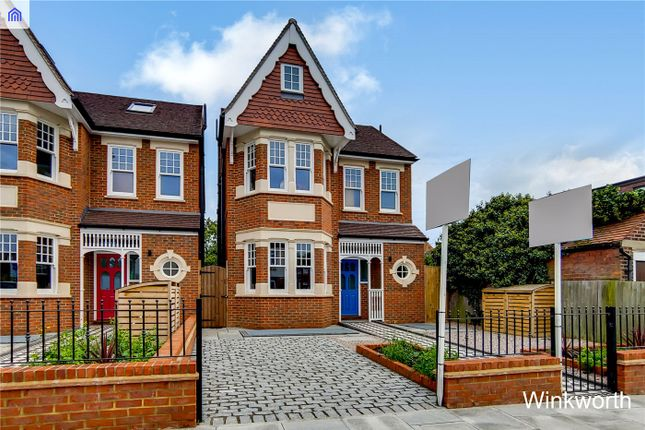 Thumbnail Detached house for sale in Ascott Avenue, London