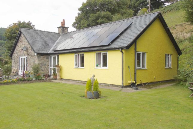 Thumbnail Detached house for sale in Hirnant, Penybontfawr, Shropshire