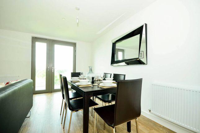 Thumbnail Flat to rent in Waterside Park, Royal Docks
