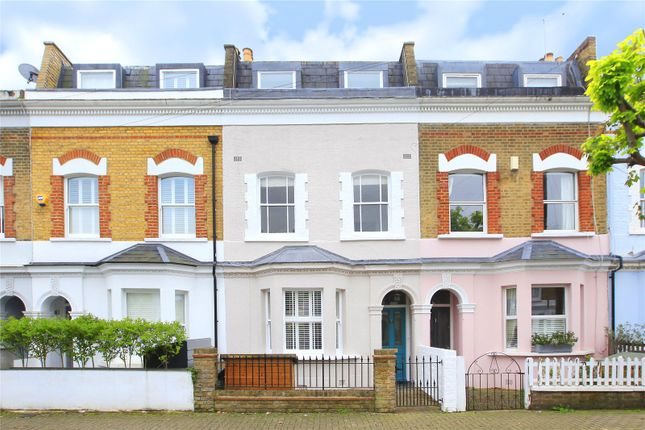 4 bed terraced house to rent in Martindale Road, London SW12