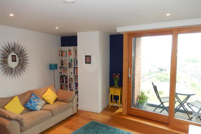 2 bed flat for sale in Candle House, Wharf Approach, Leeds