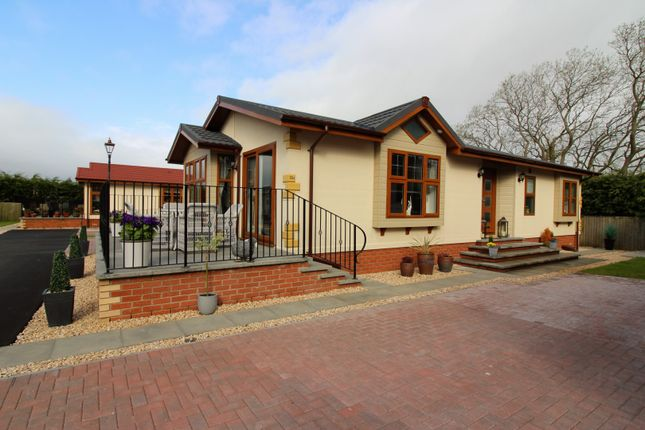 Thumbnail Mobile/park home for sale in Leven Park, Gairneybridge