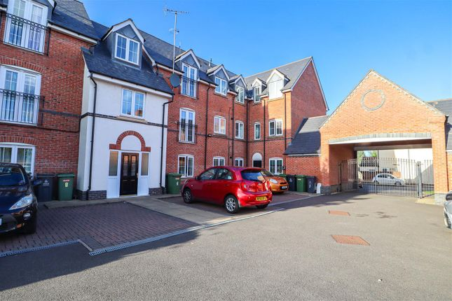 2 bed flat for sale in Granville Street, Willenhall WV13