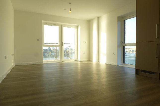 Thumbnail Flat to rent in Capstan Road, Woolston, Southampton
