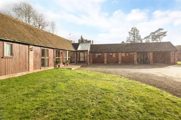 Thumbnail Barn conversion for sale in Pershore Road, Stoulton, Worcestershire