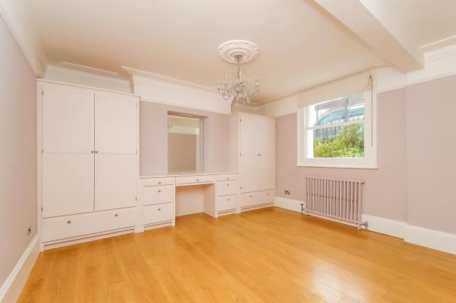 3 bed flat for sale in Richmond, Richmond Upon Thames TW10