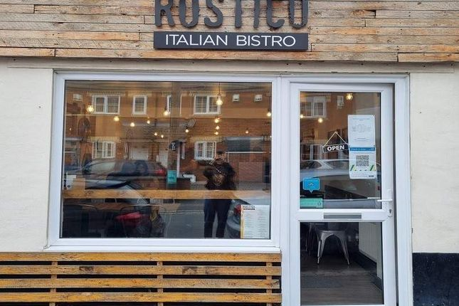 Thumbnail Restaurant/cafe for sale in New Road, Linslade, Leighton Buzzard