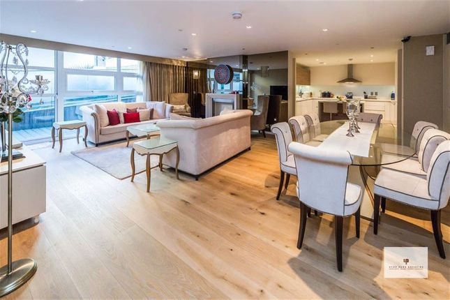 Thumbnail Flat for sale in Salem Road, London