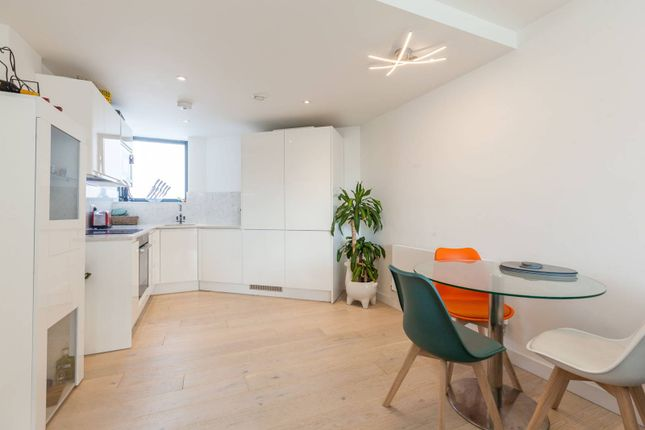 Thumbnail Flat to rent in Coldharbour Lane, Brixton, London