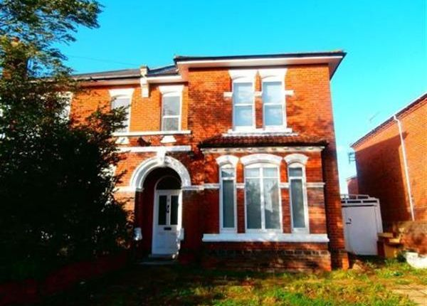 8 bed semi-detached house to rent in Alma Road, Southampton