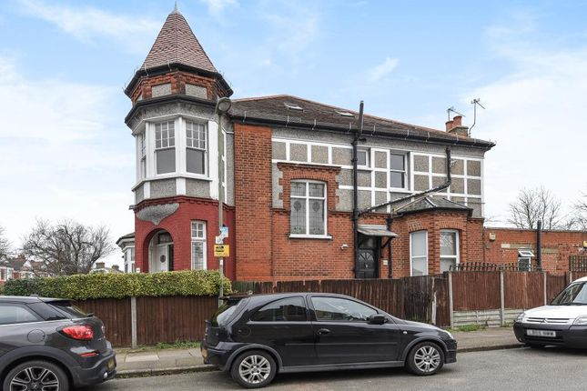 Thumbnail Flat for sale in Finchley, London