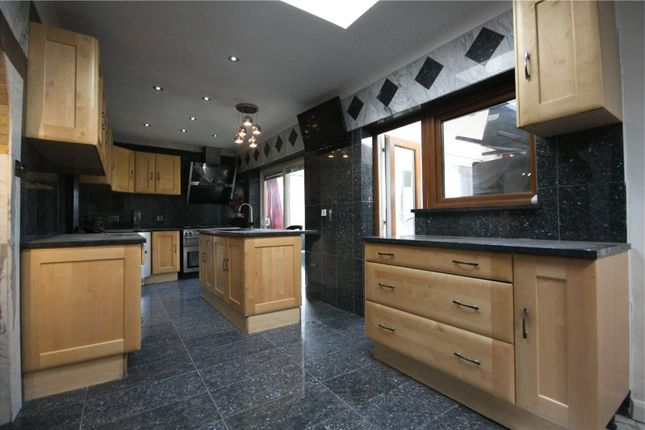 Thumbnail Detached house to rent in Salmon Street, London