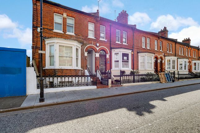 Thumbnail Flat for sale in Clarence Street, Southend On Sea, Essex