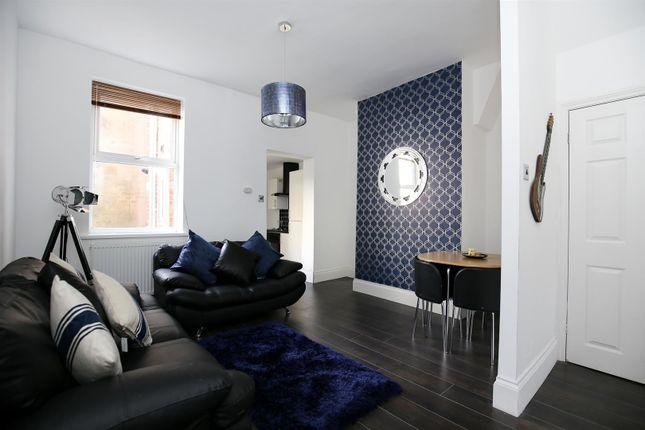 2 bed flat to rent in Bayswater Road, Jesmond NE2